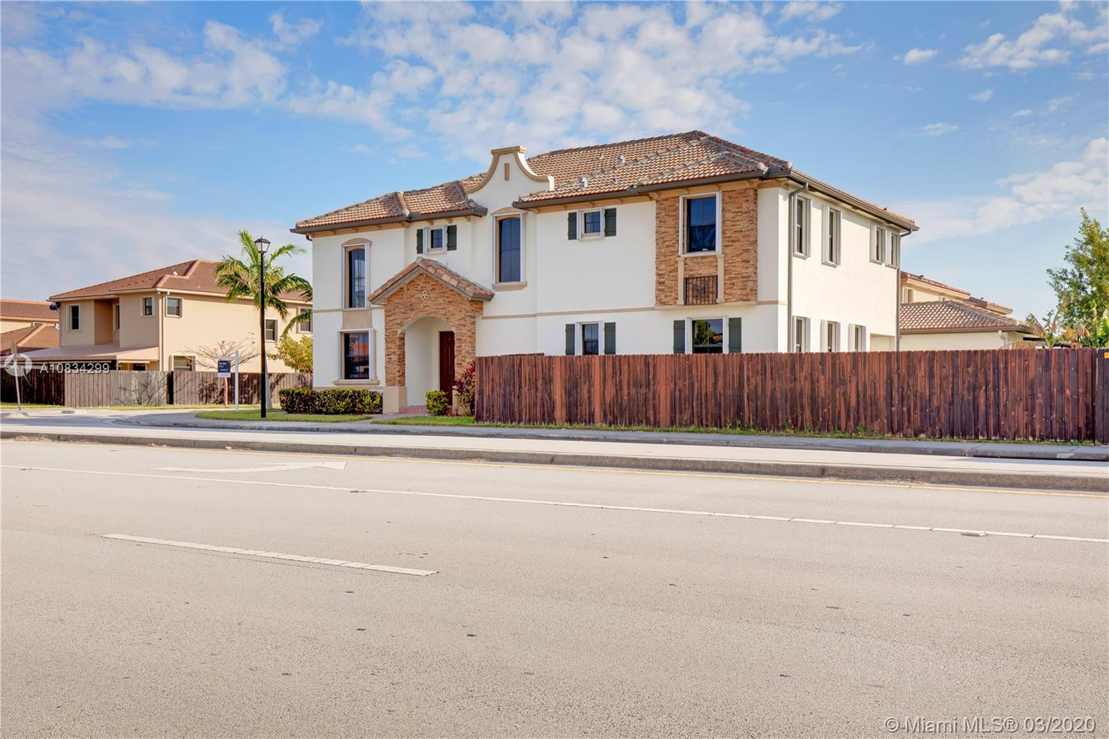 11644 SW 233rd Ln Property Photo