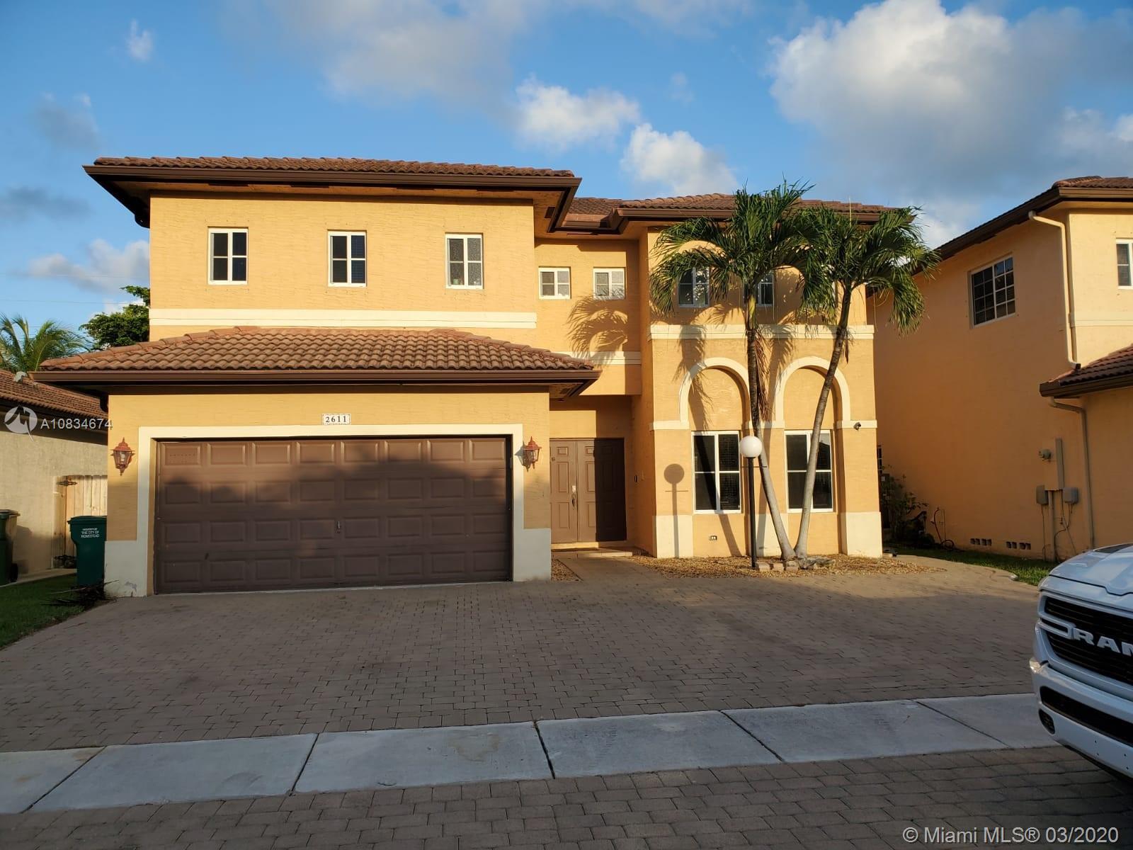 2611 NE 42nd Ave Property Photo