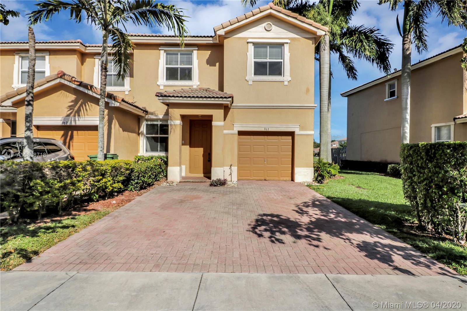 Floridian Isle South Real Estate Listings Main Image