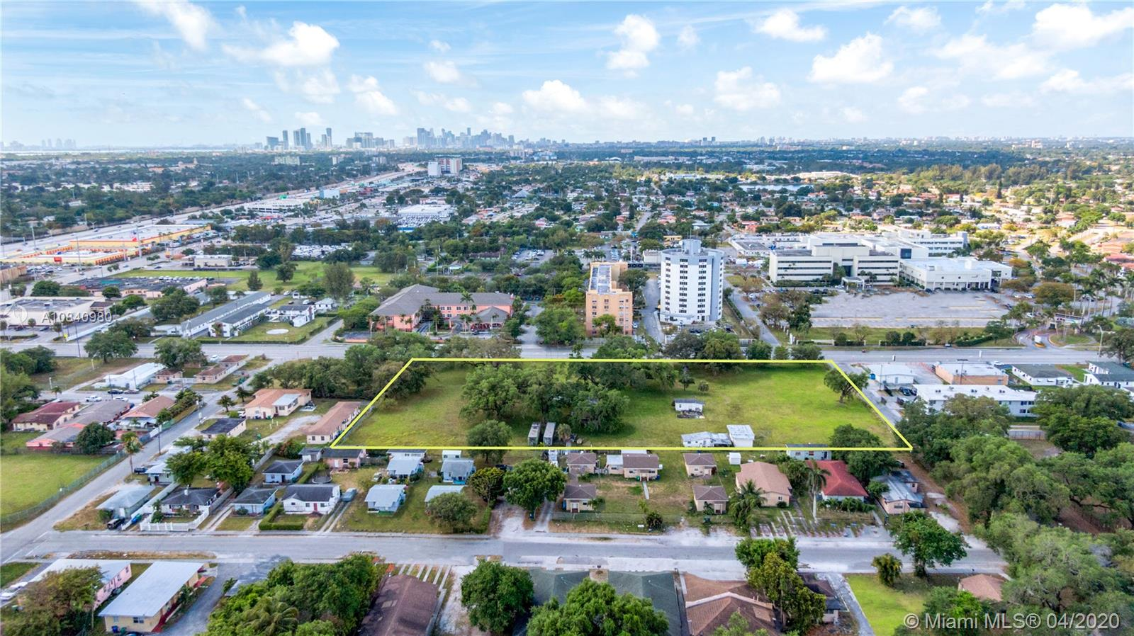 975 NW 95th St Property Photo - Miami, FL real estate listing