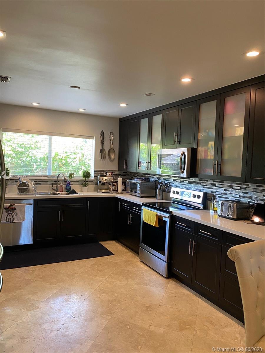 11433 NE 6 Ave Property Photo - Biscayne Park, FL real estate listing