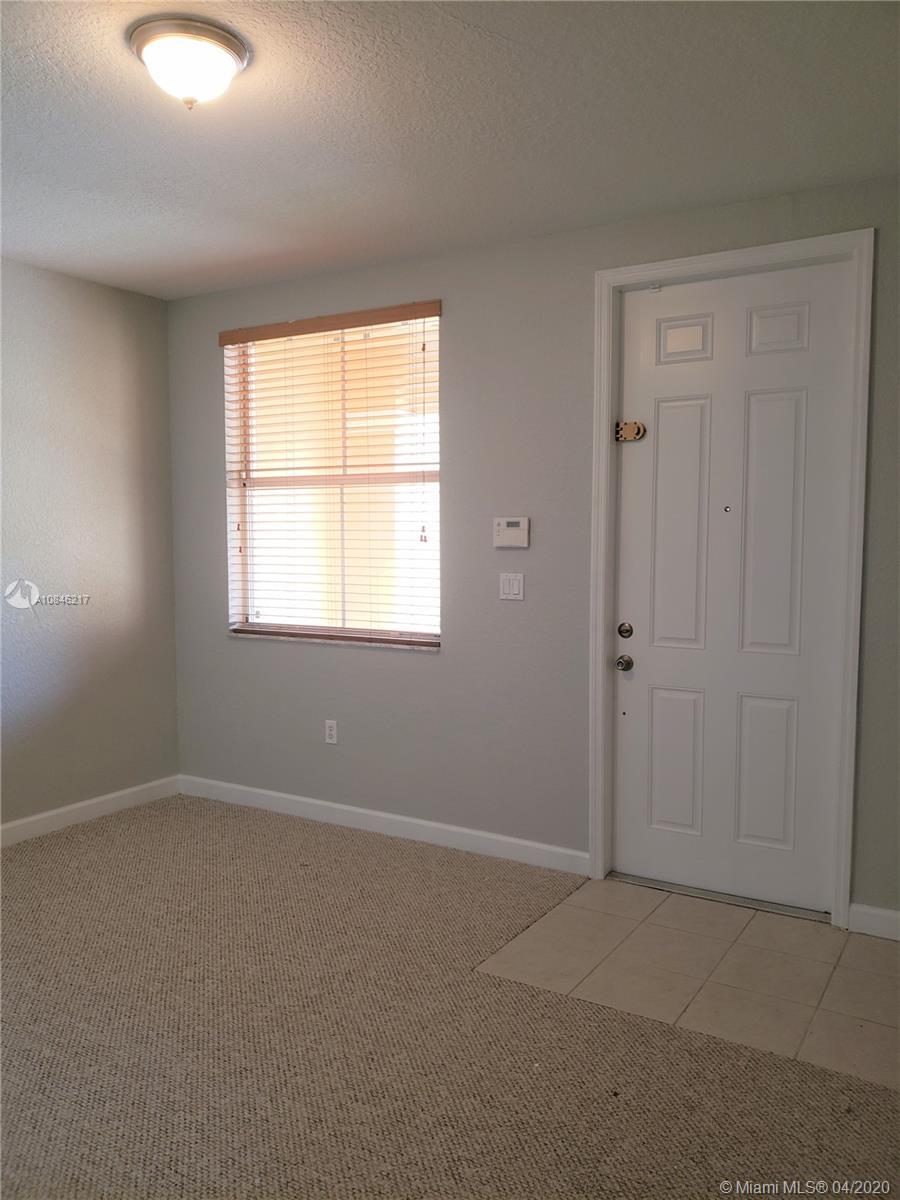 921 NE 42nd Ave Property Photo