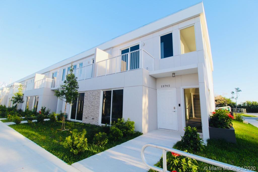 13745 SW 259th Ln Property Photo - Naranja, FL real estate listing
