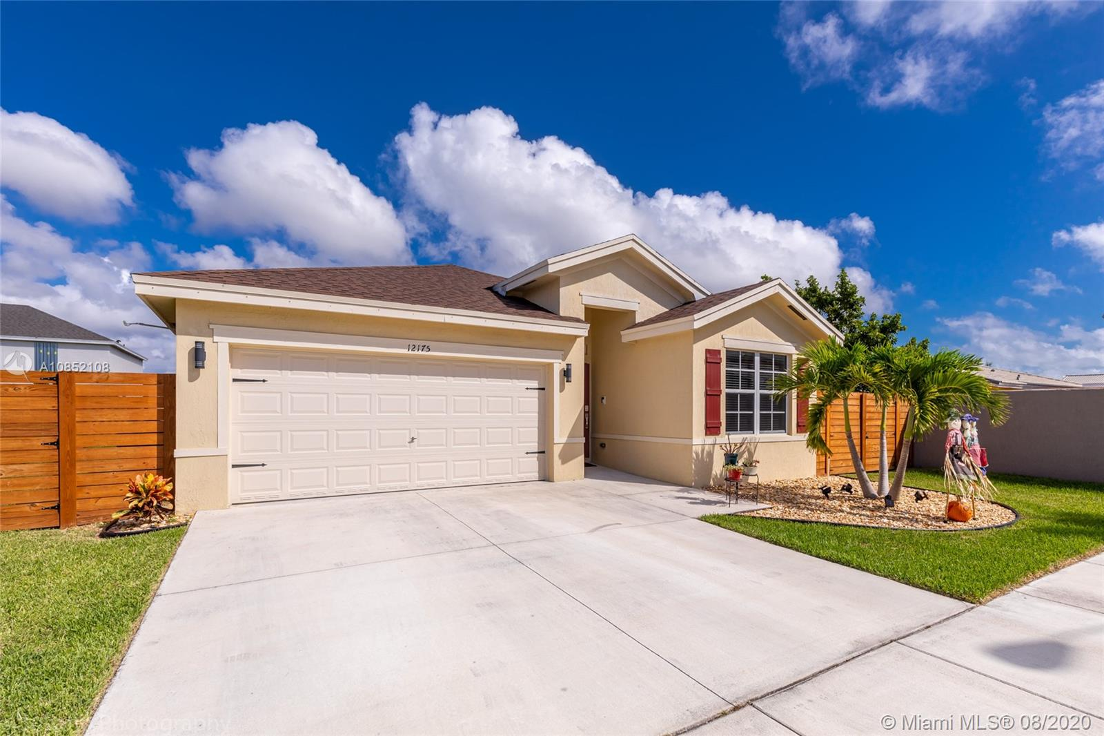 12175 SW 250th Ter Property Photo