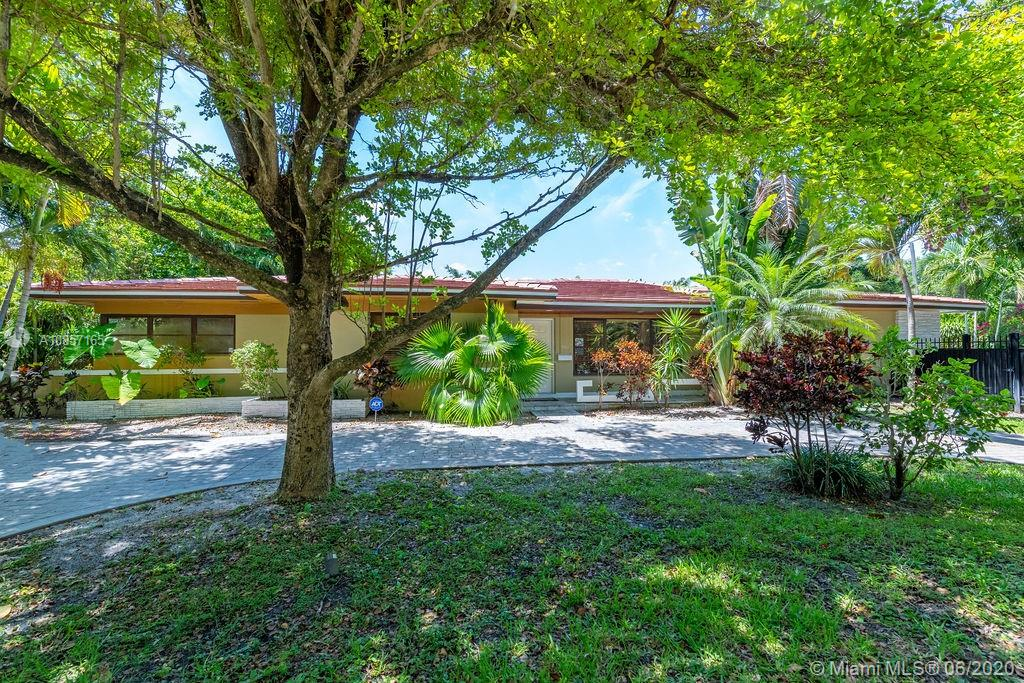 600 NE 119th St Property Photo - Biscayne Park, FL real estate listing
