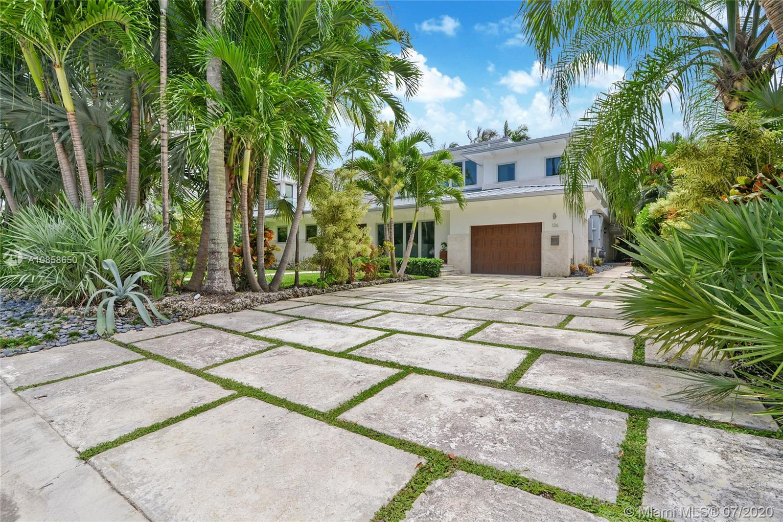 126 Bal Cross Dr Property Photo - Bal Harbour, FL real estate listing