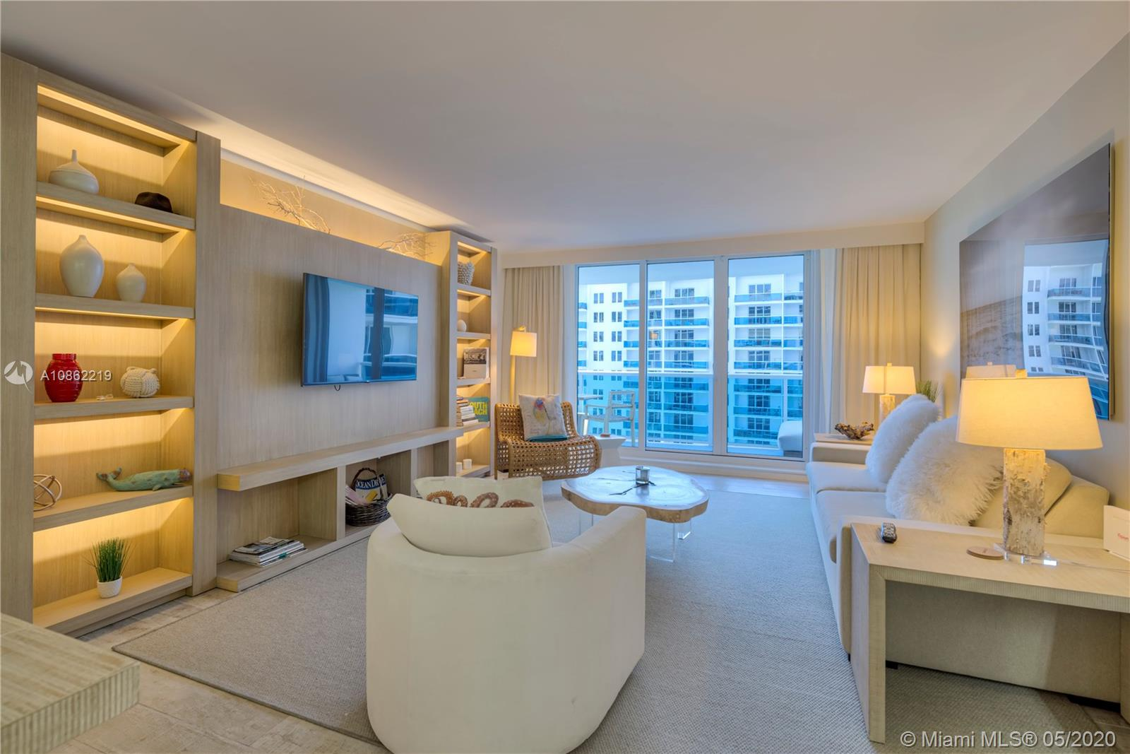 102 24th St #1204 Property Photo - Miami Beach, FL real estate listing