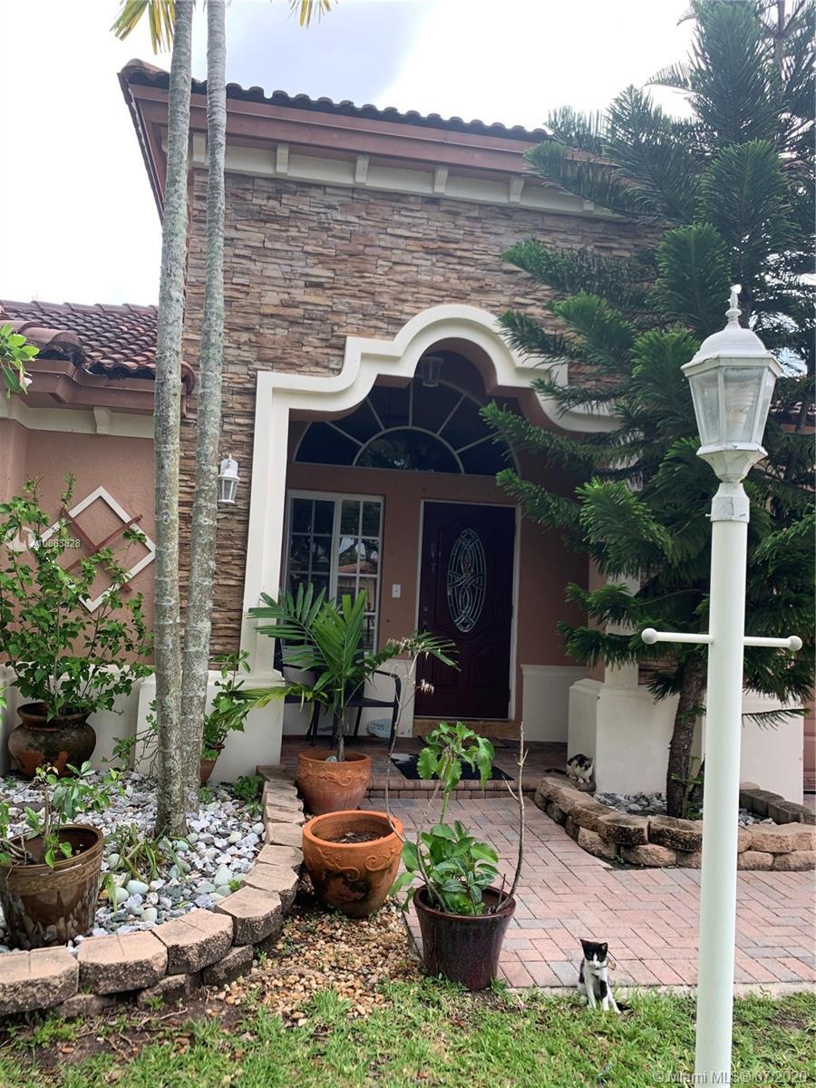 942 Ne 35th Ave Property Photo