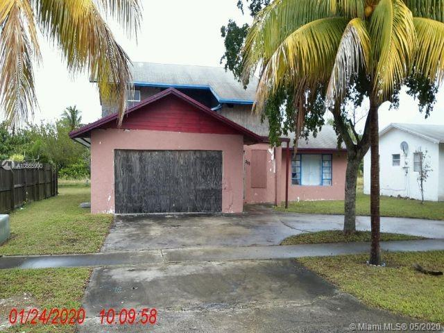 305 NW 7th Ct Property Photo - Deerfield Beach, FL real estate listing