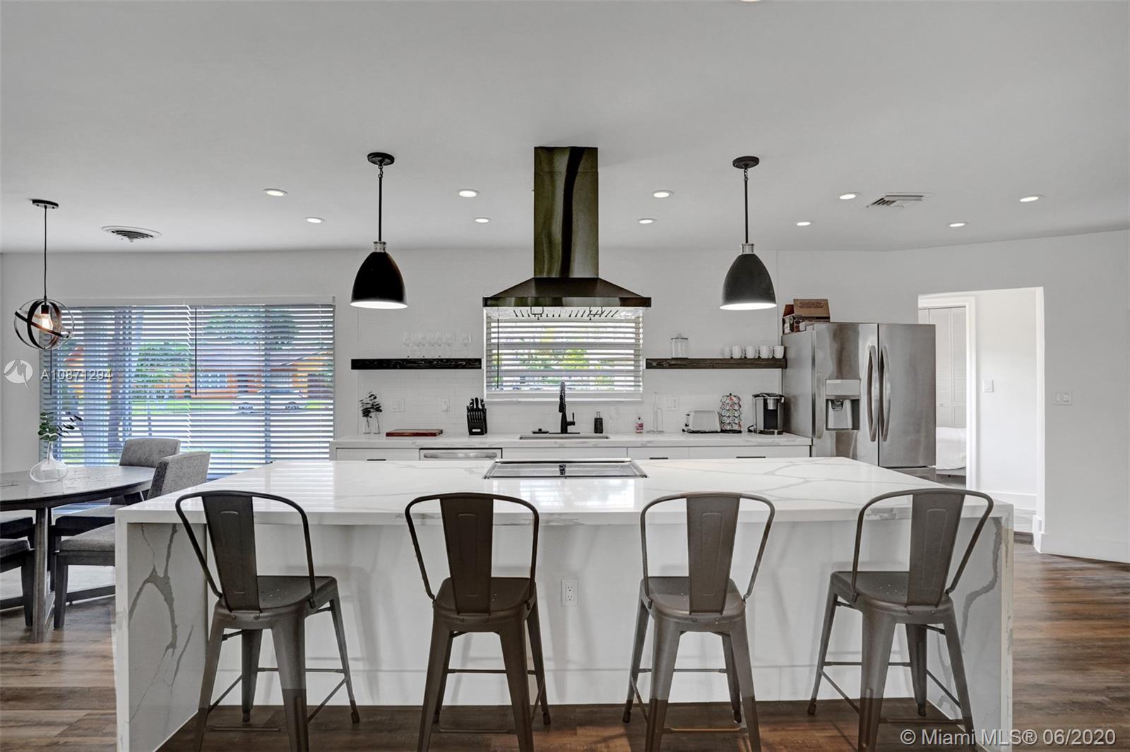 2106 NE 16th Ave Property Photo - Wilton Manors, FL real estate listing