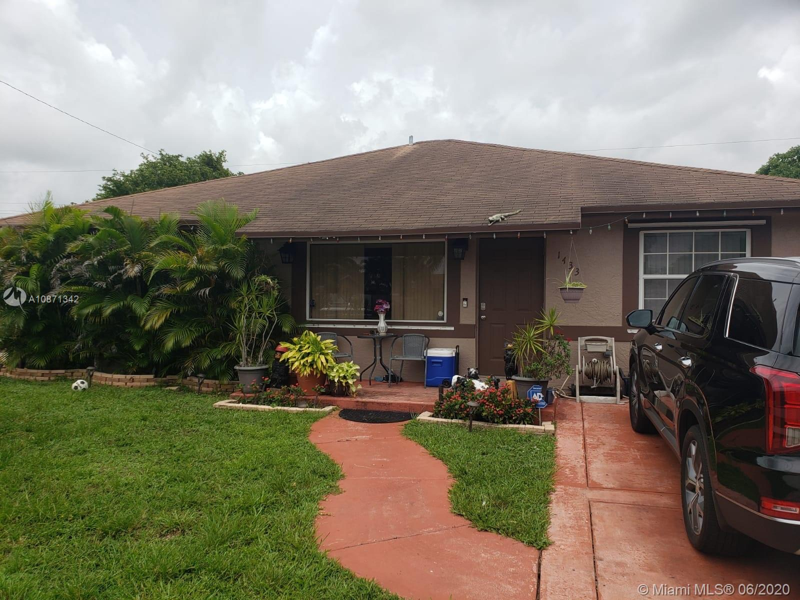 1433 SW 49th Ave Property Photo - Fort Lauderdale, FL real estate listing