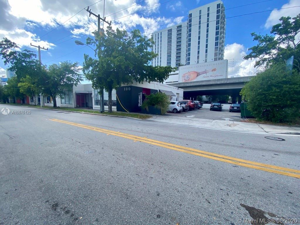 100 NE 38th St Property Photo