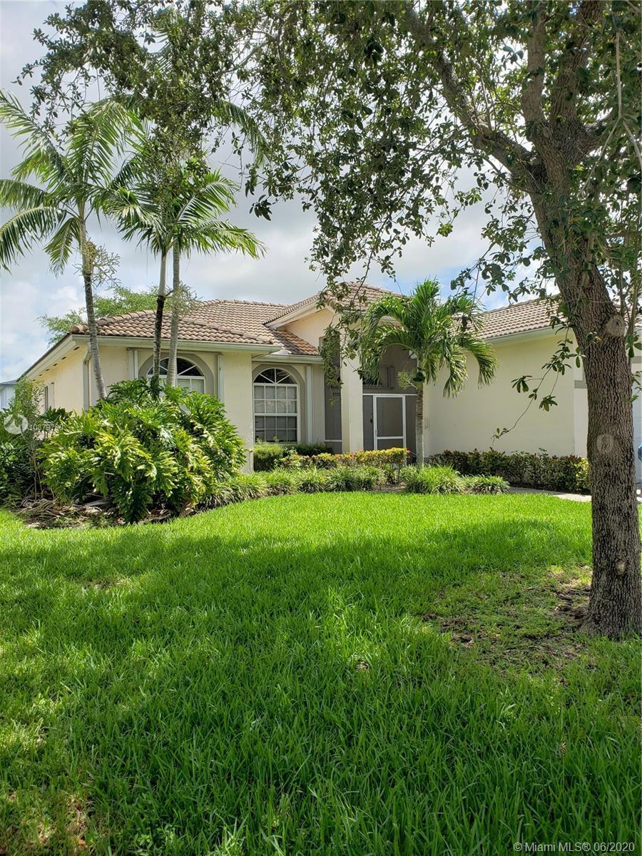 3075 SE 4th Pl Property Photo