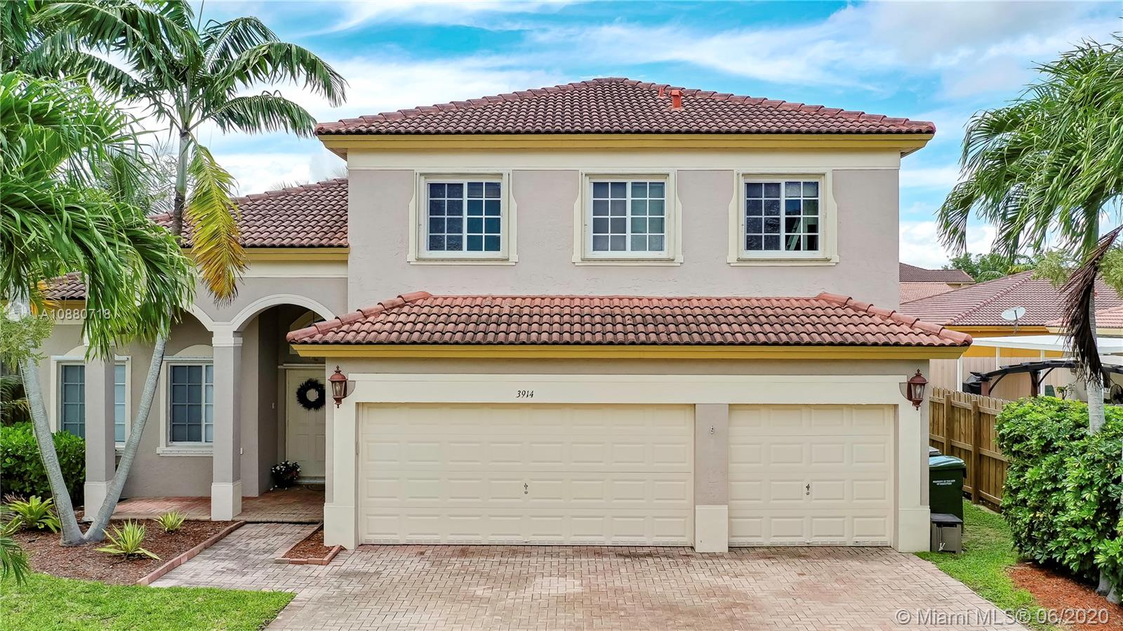 Floridian Bay Estates Real Estate Listings Main Image