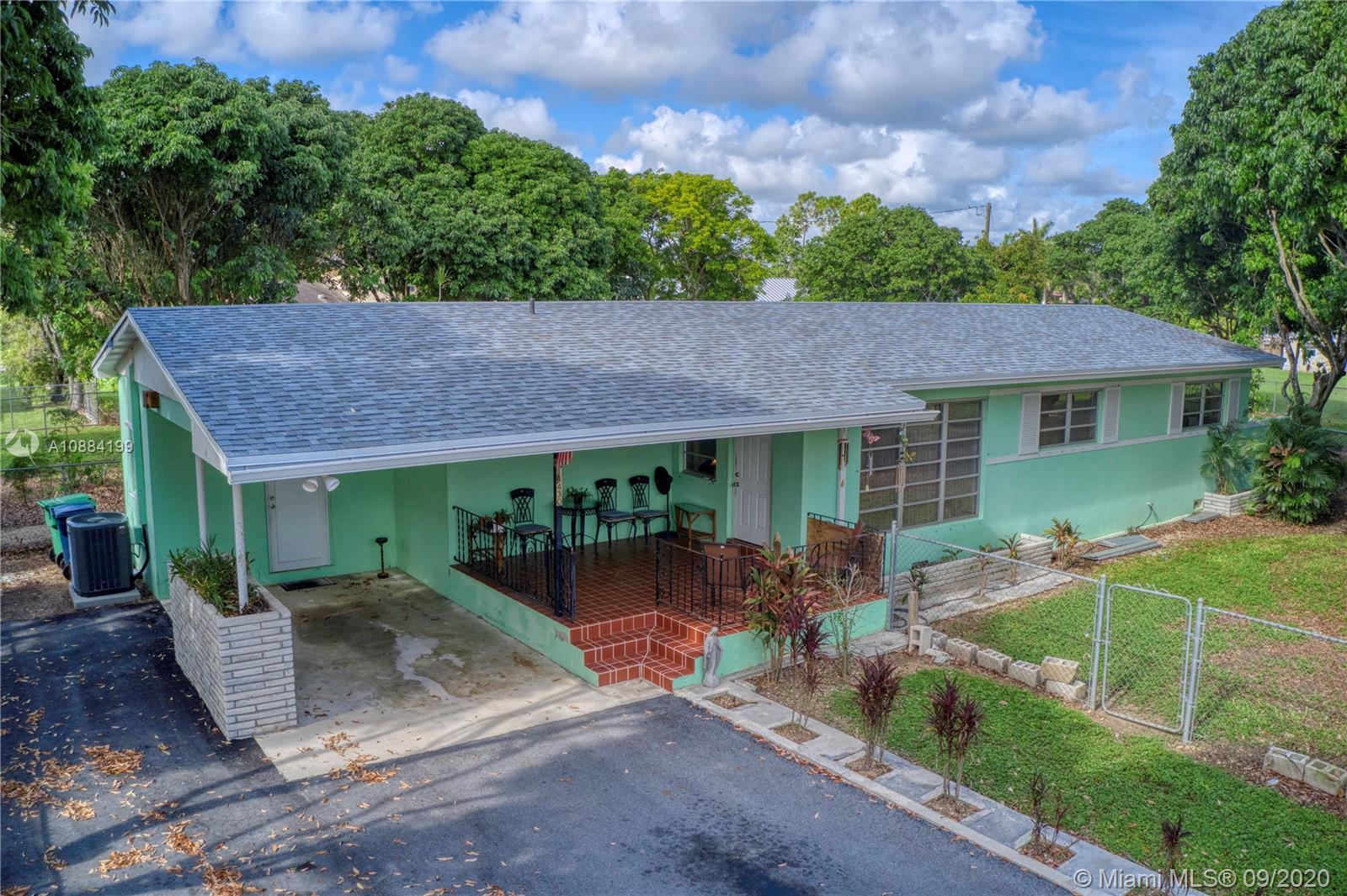 18430 SW 264th St Property Photo