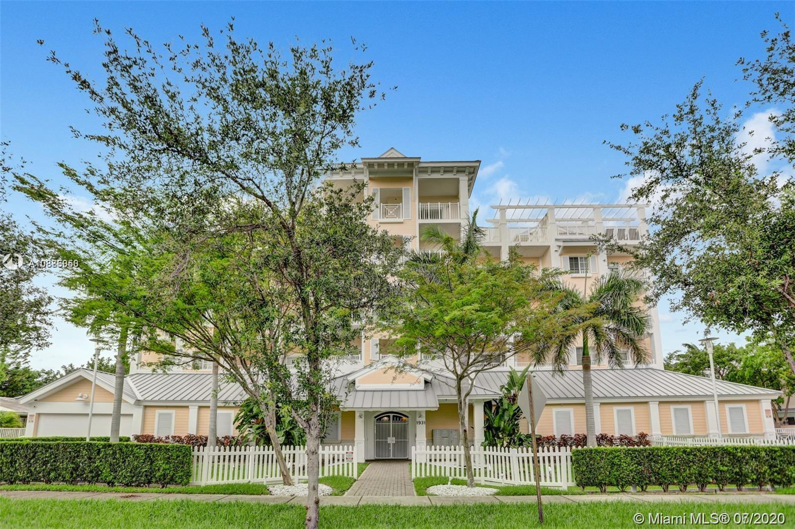 1931 NE 2nd St #305 Property Photo - Deerfield Beach, FL real estate listing