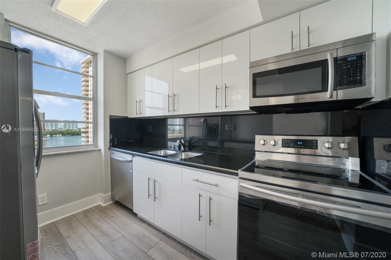 251 174th St #816 Property Photo