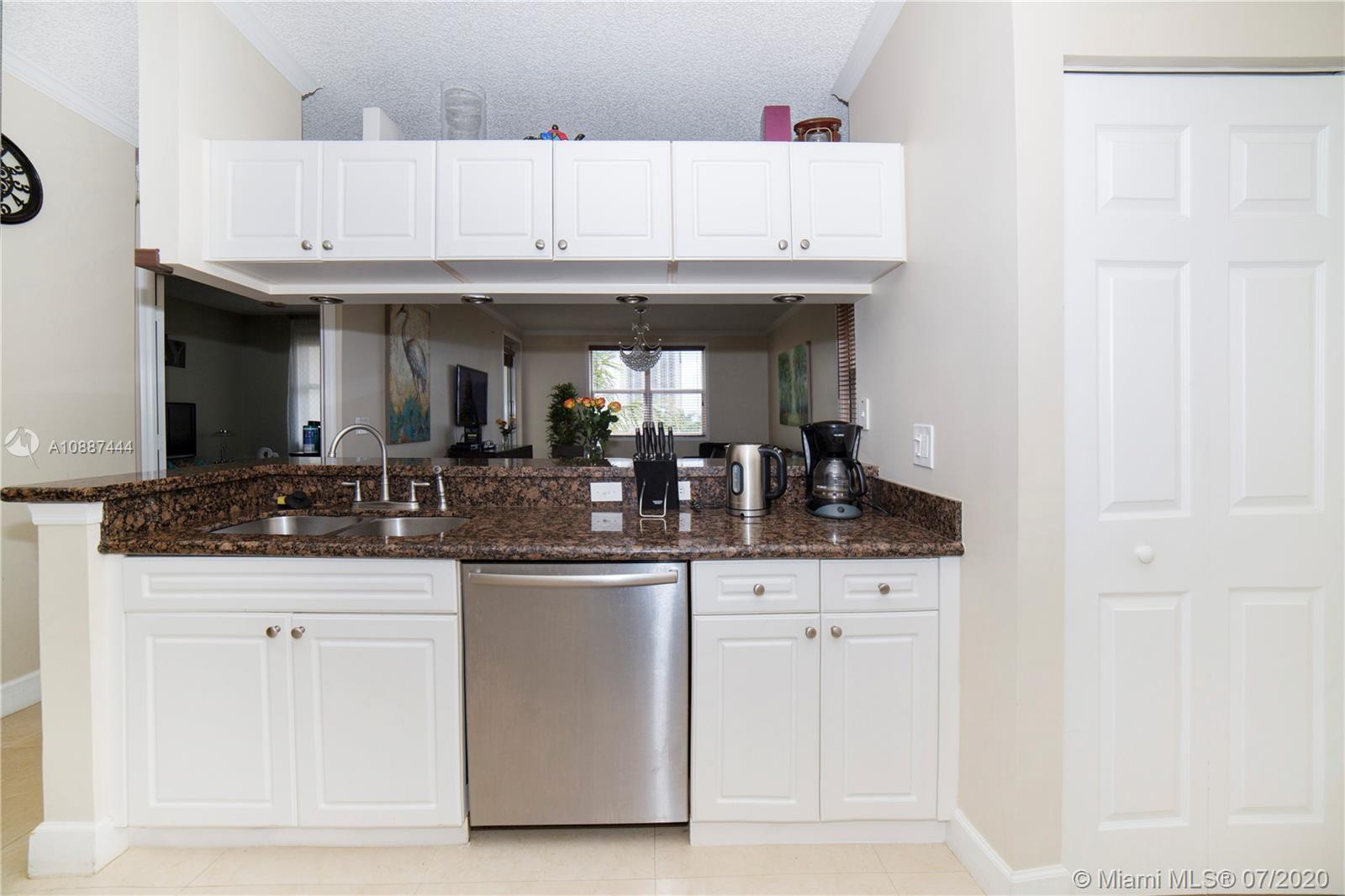 17150 N Bay Rd #2516 Property Photo