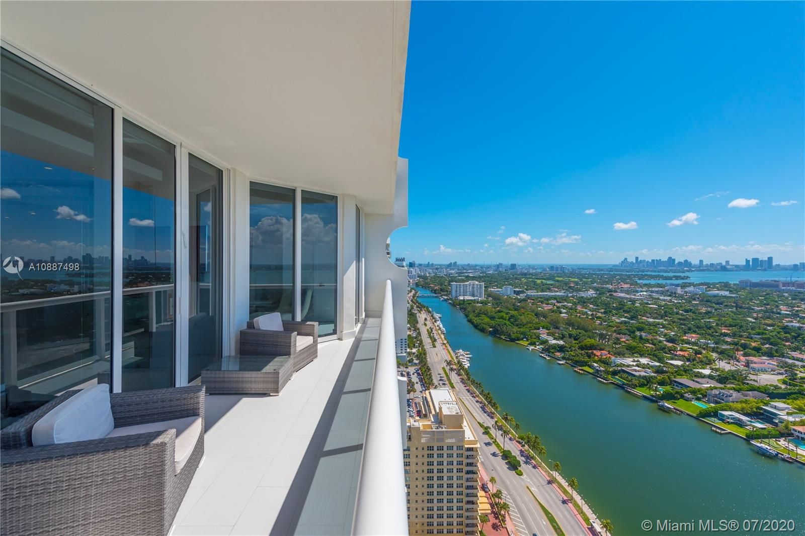 Collins Ave #ph4306 Property Photo