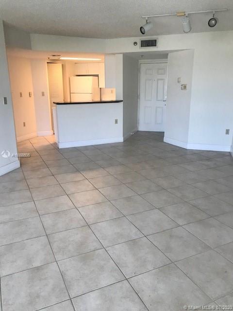 2351 Douglas Rd #805 Property Photo