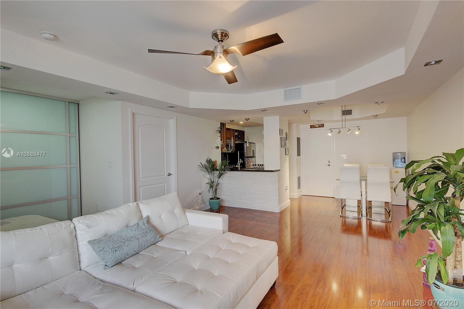 800 West Ave #409 Property Photo