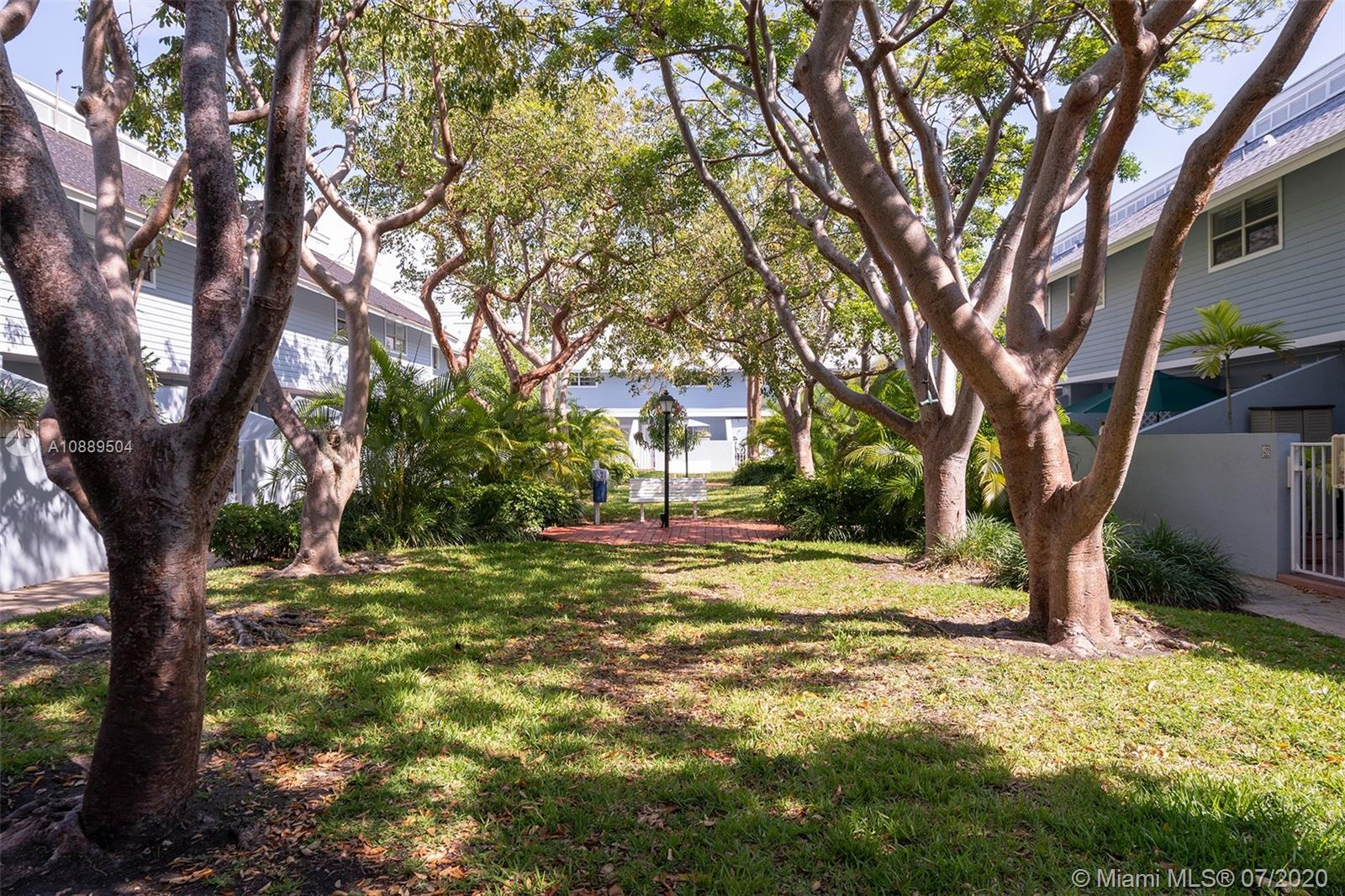 798 Crandon Blvd #6c Property Photo