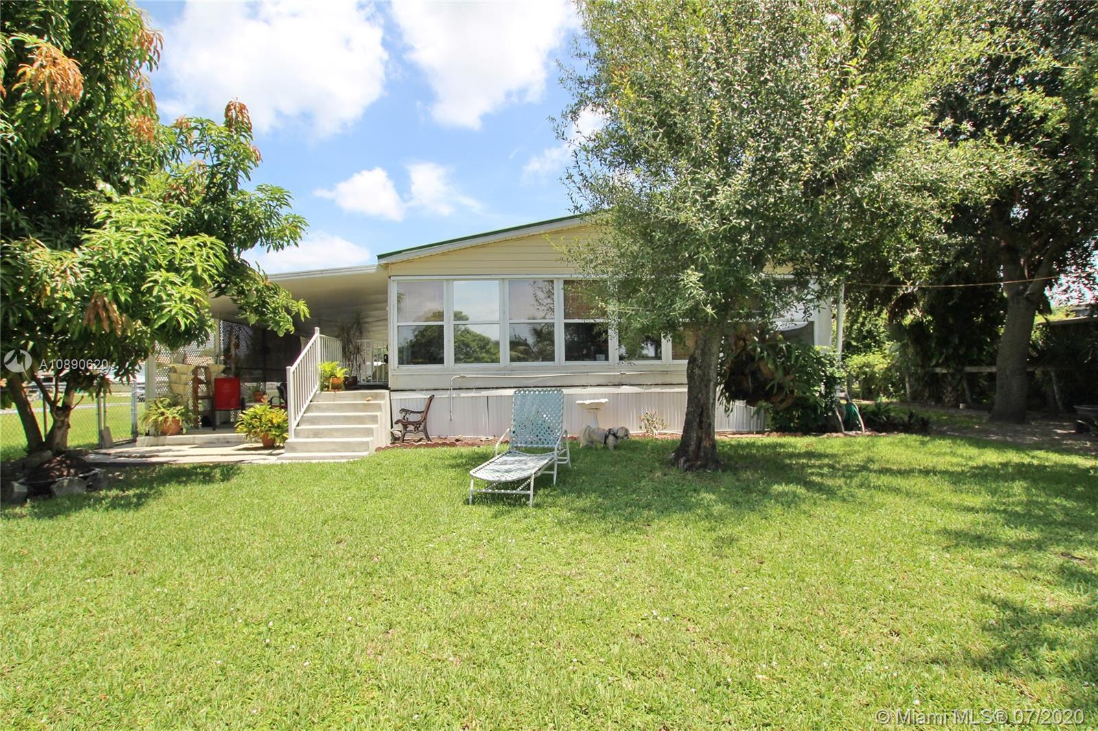 1097 20th Street Property Photo - Bulkhead Ridge, FL real estate listing
