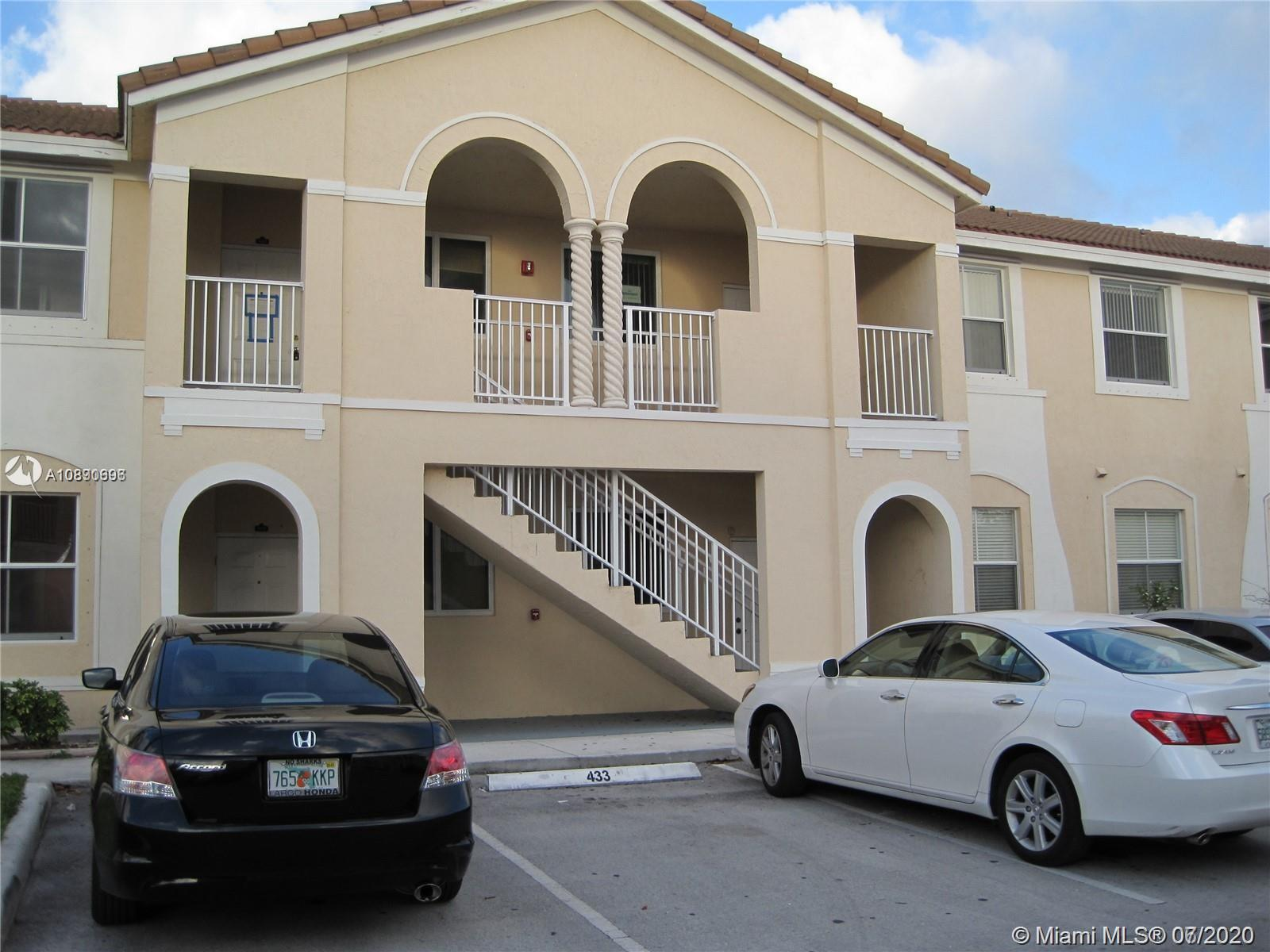 2903 SE 17th Ave #100 Property Photo
