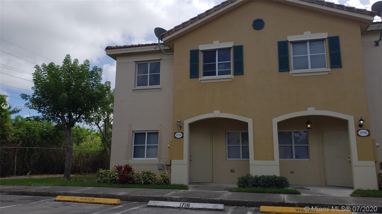 1716 SE 31st Ct Property Photo