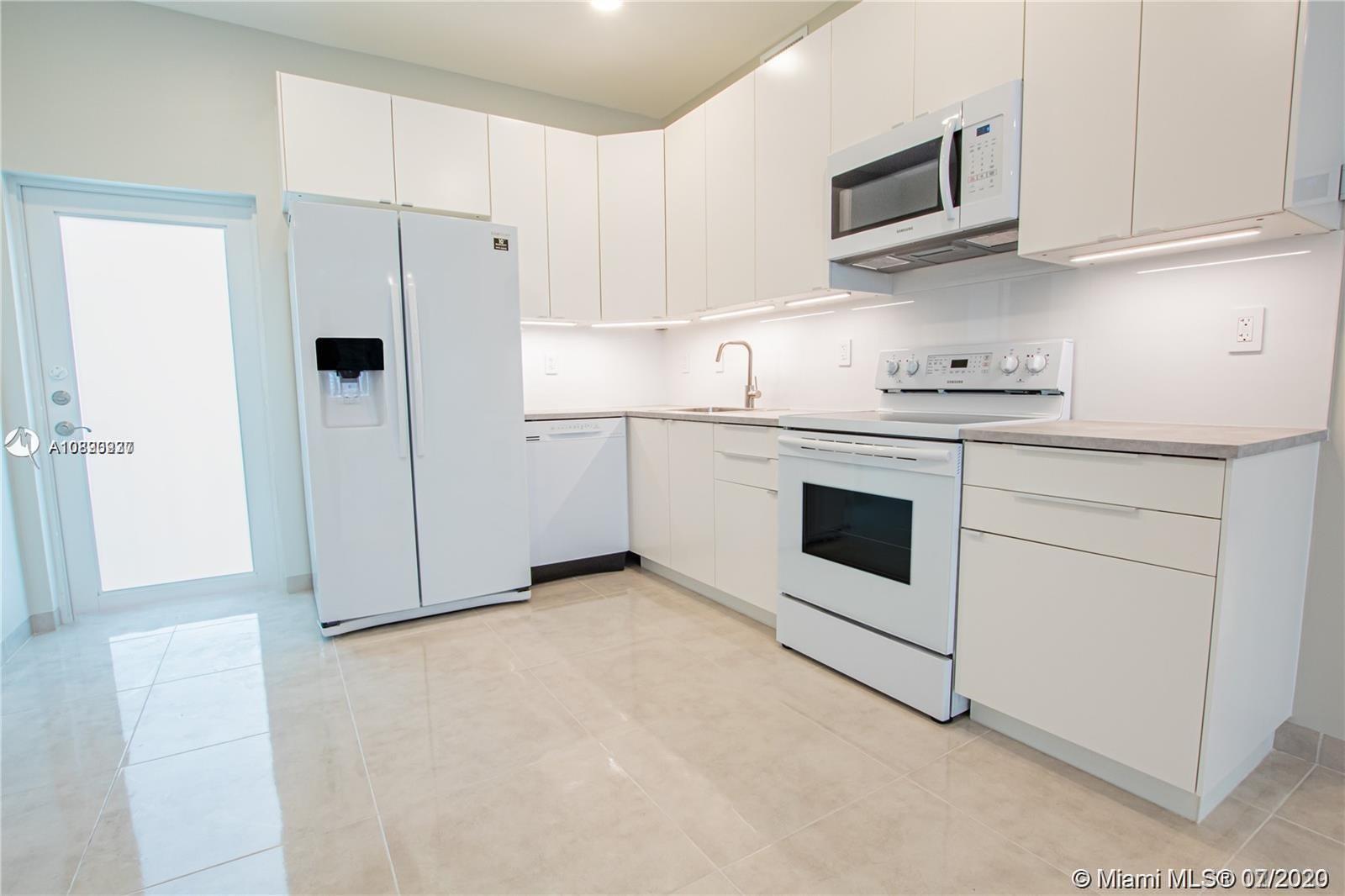 801 Capri St #403 Property Photo