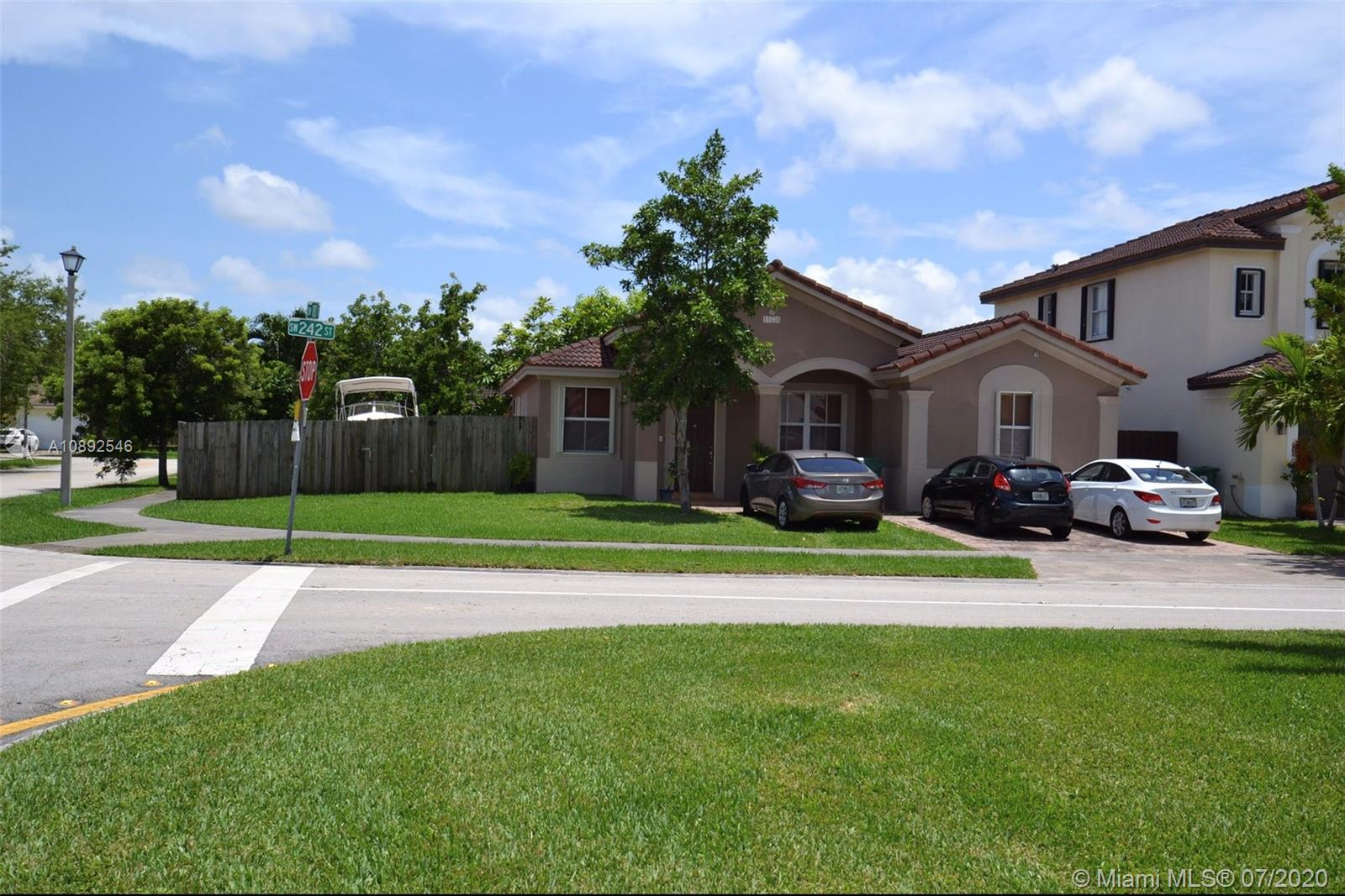 11034 SW 242nd St Property Photo - Homestead, FL real estate listing