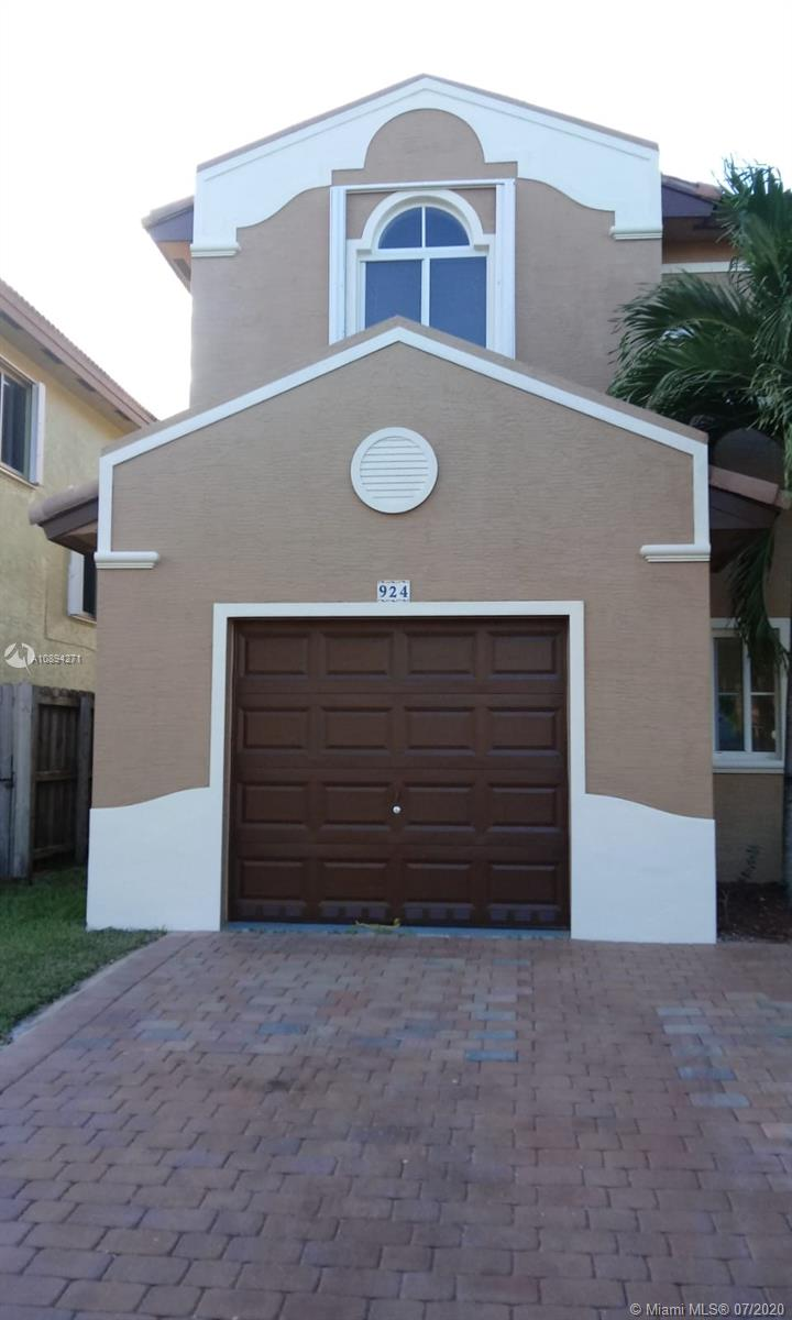924 NE 41st Ave Property Photo - Homestead, FL real estate listing