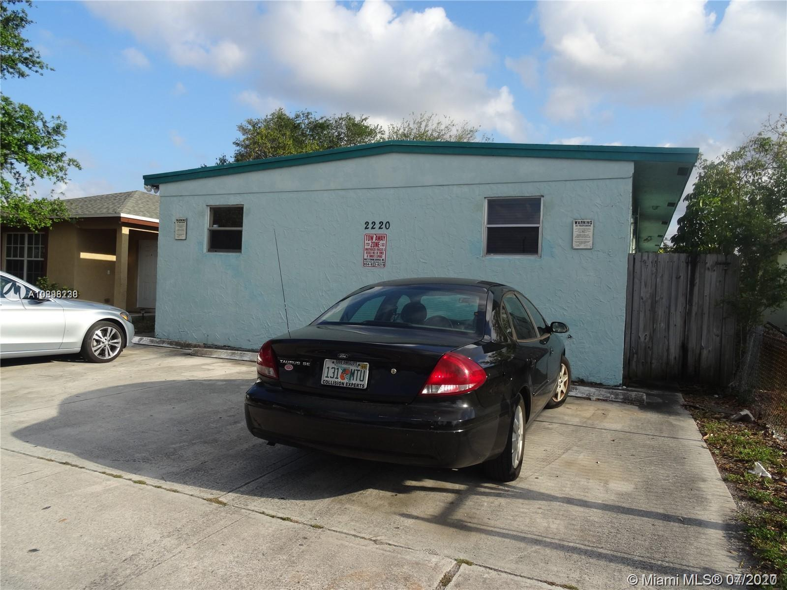 Charleston St Property Photo