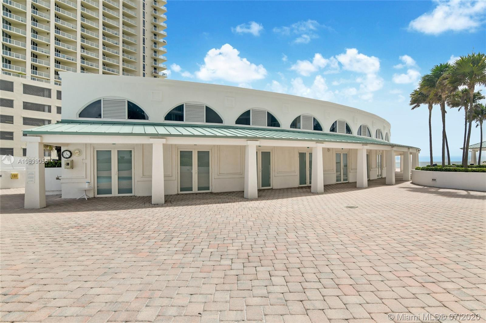 16485 Collins Ave #pc 4 Property Photo