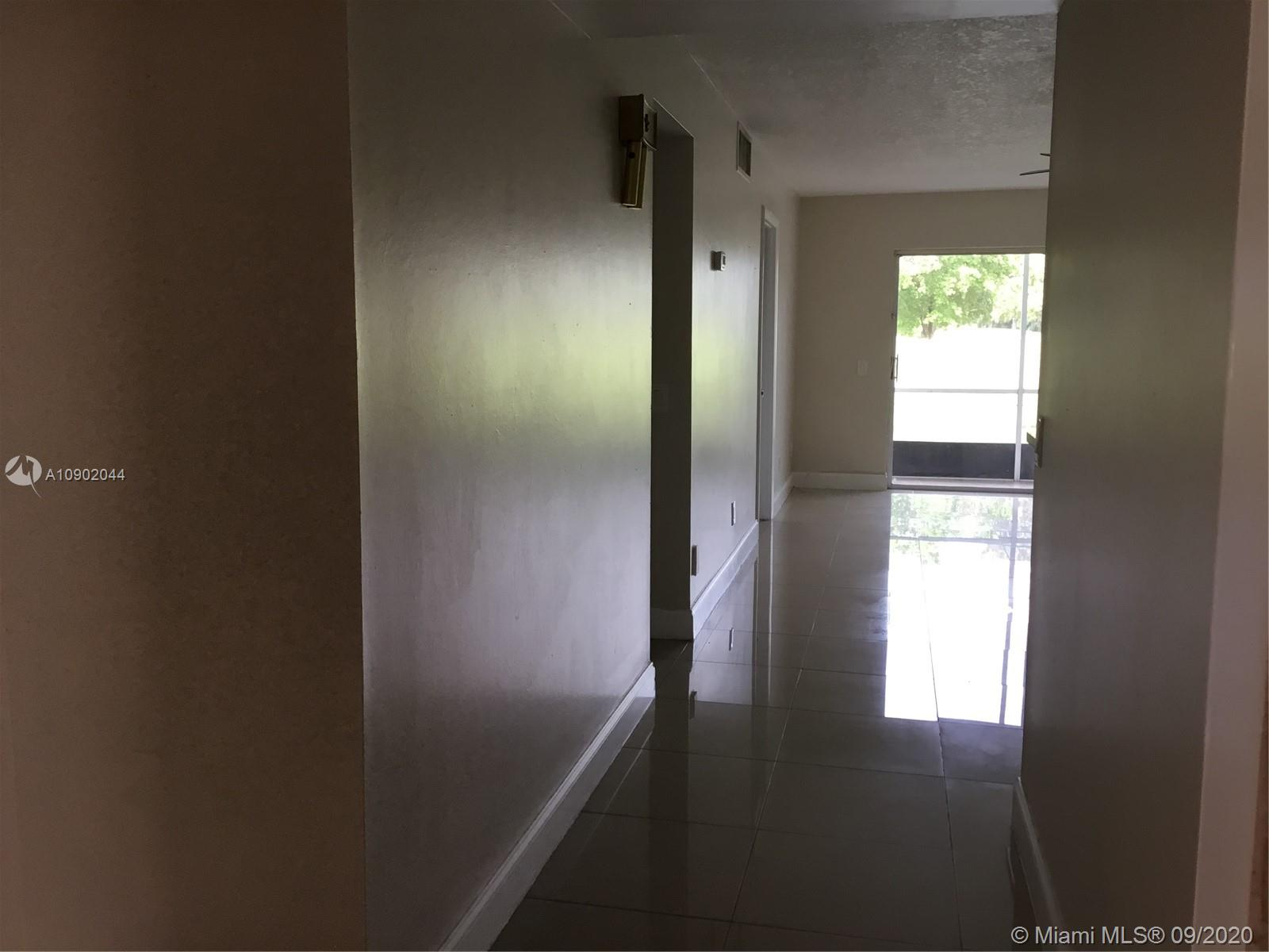 2431 SW 82nd Ave #103 Property Photo