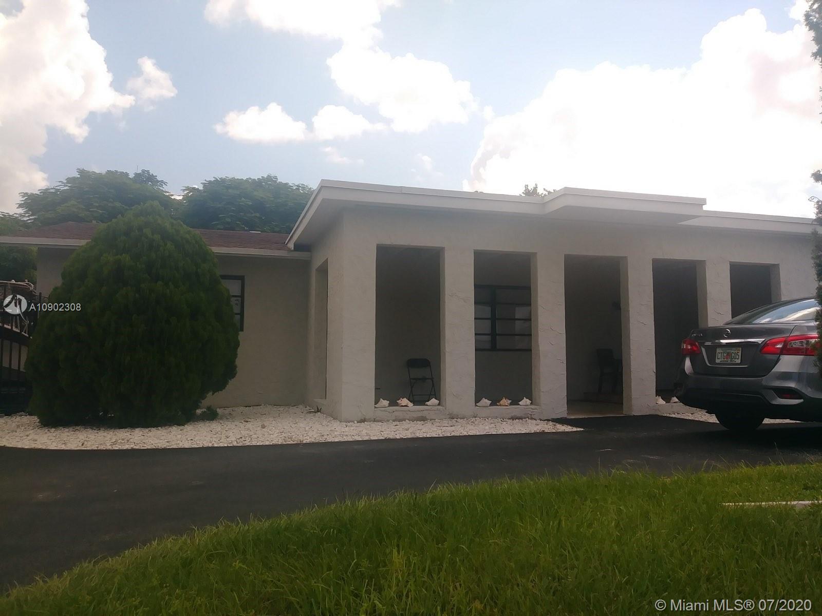 15765 SW 102 Place Property Photo