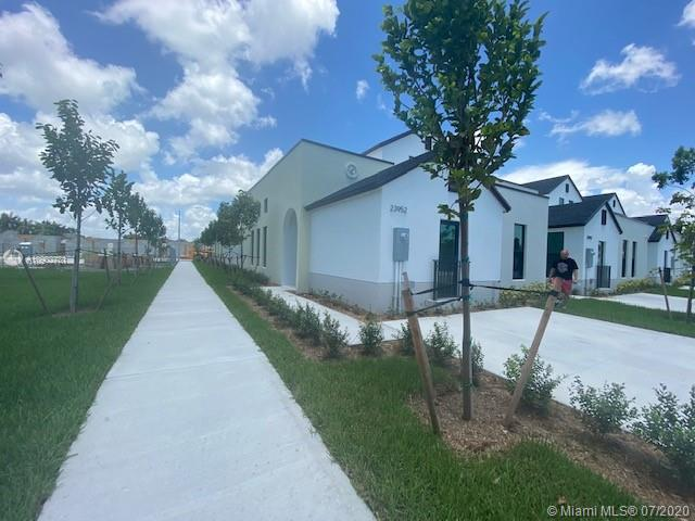 23952 SW 109th Path Property Photo