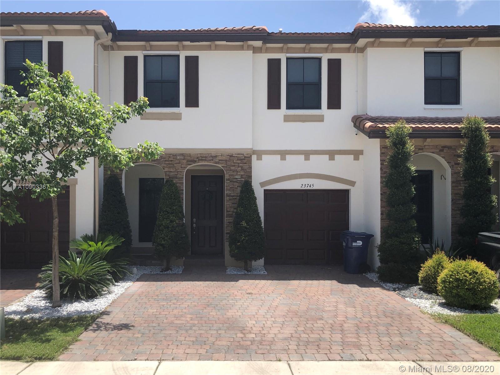 23745 SW 117th Ct Property Photo