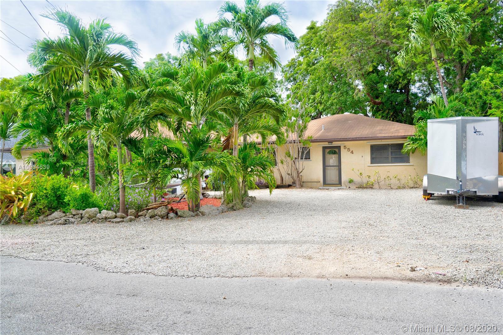 554 Palm Dr Property Photo