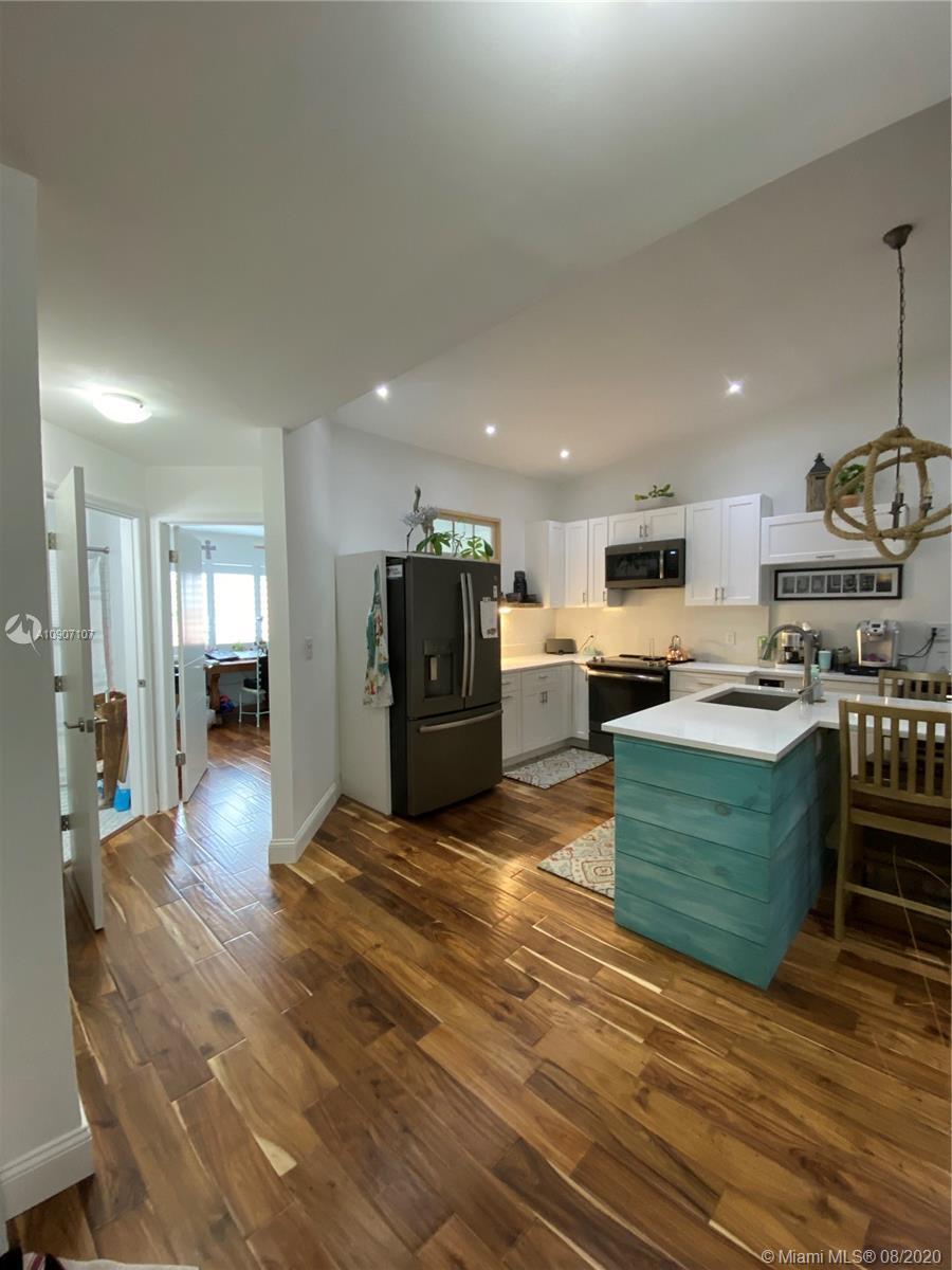 9861 Leeward Ave #9861 Property Photo