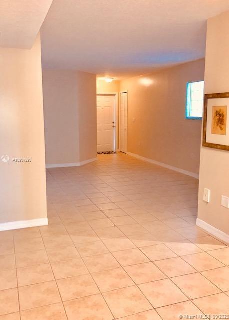 1270 SE 28 CT #101 Property Photo