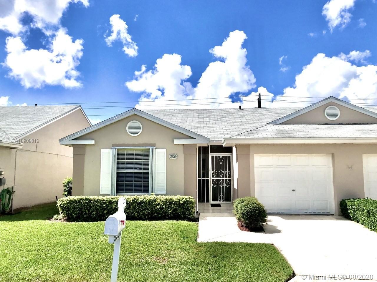 2250 SE 7th Pl Property Photo