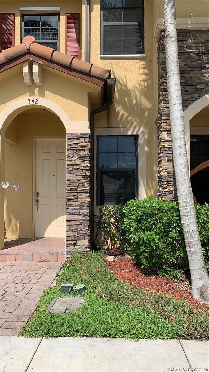 742 SE 32nd Ave Property Photo