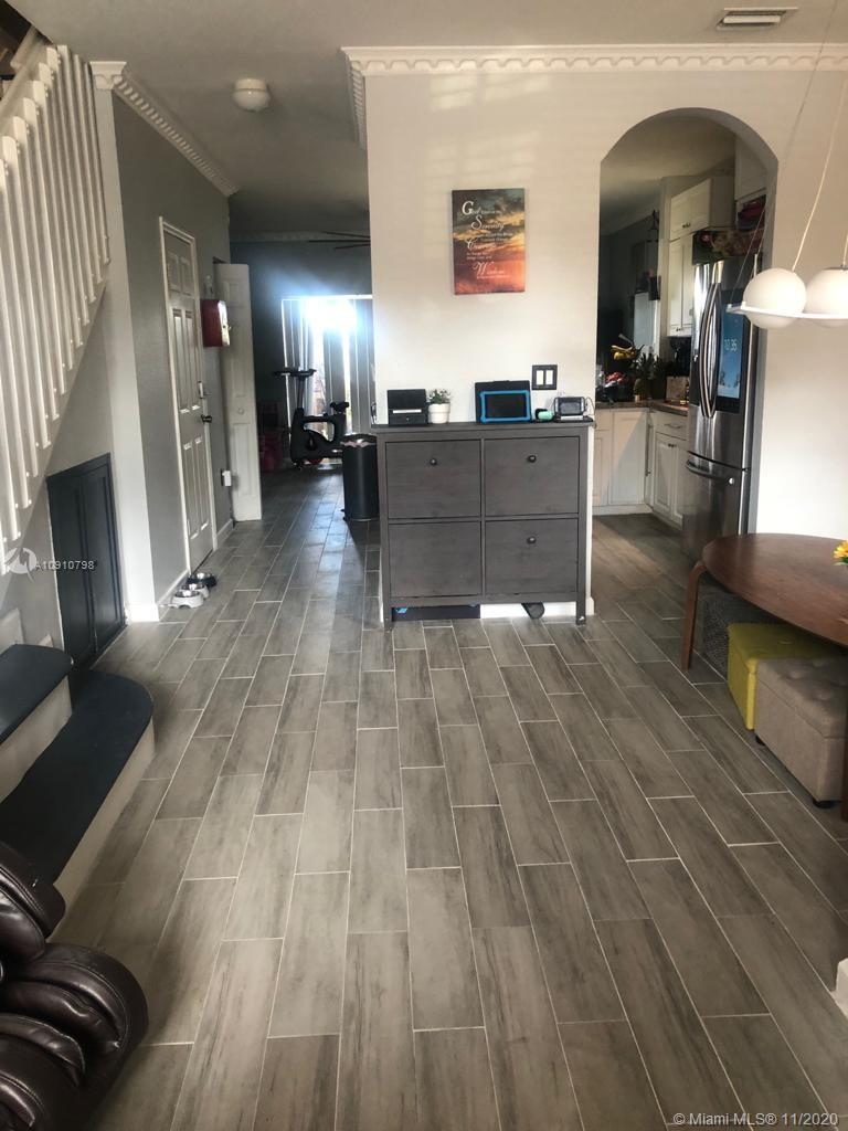 1490 NE 33rd Ave #106-13 Property Photo