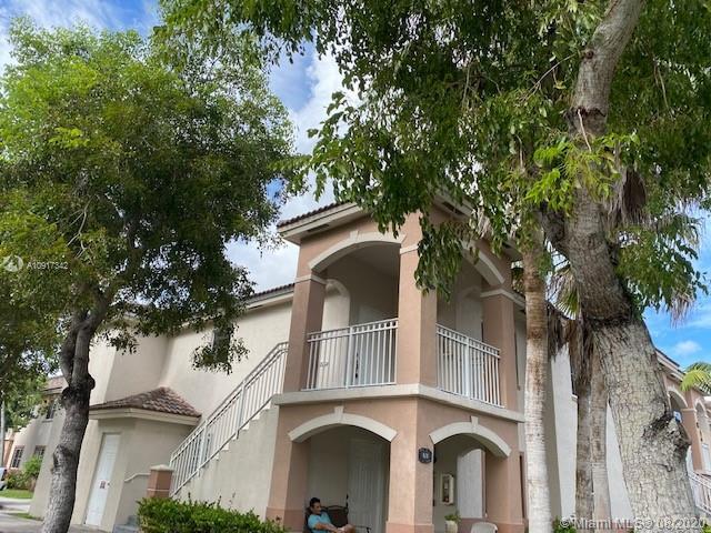 1251 SE 27th St #201 Property Photo