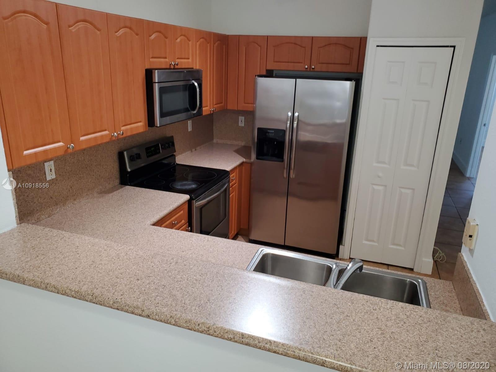 2811 SE 17th Ave #104 Property Photo