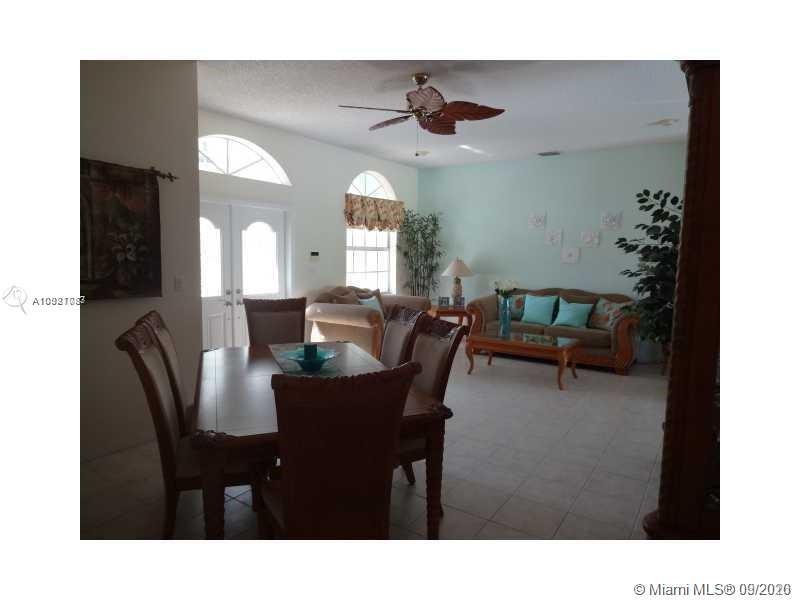 420 SE 23rd Ln #420 Property Photo