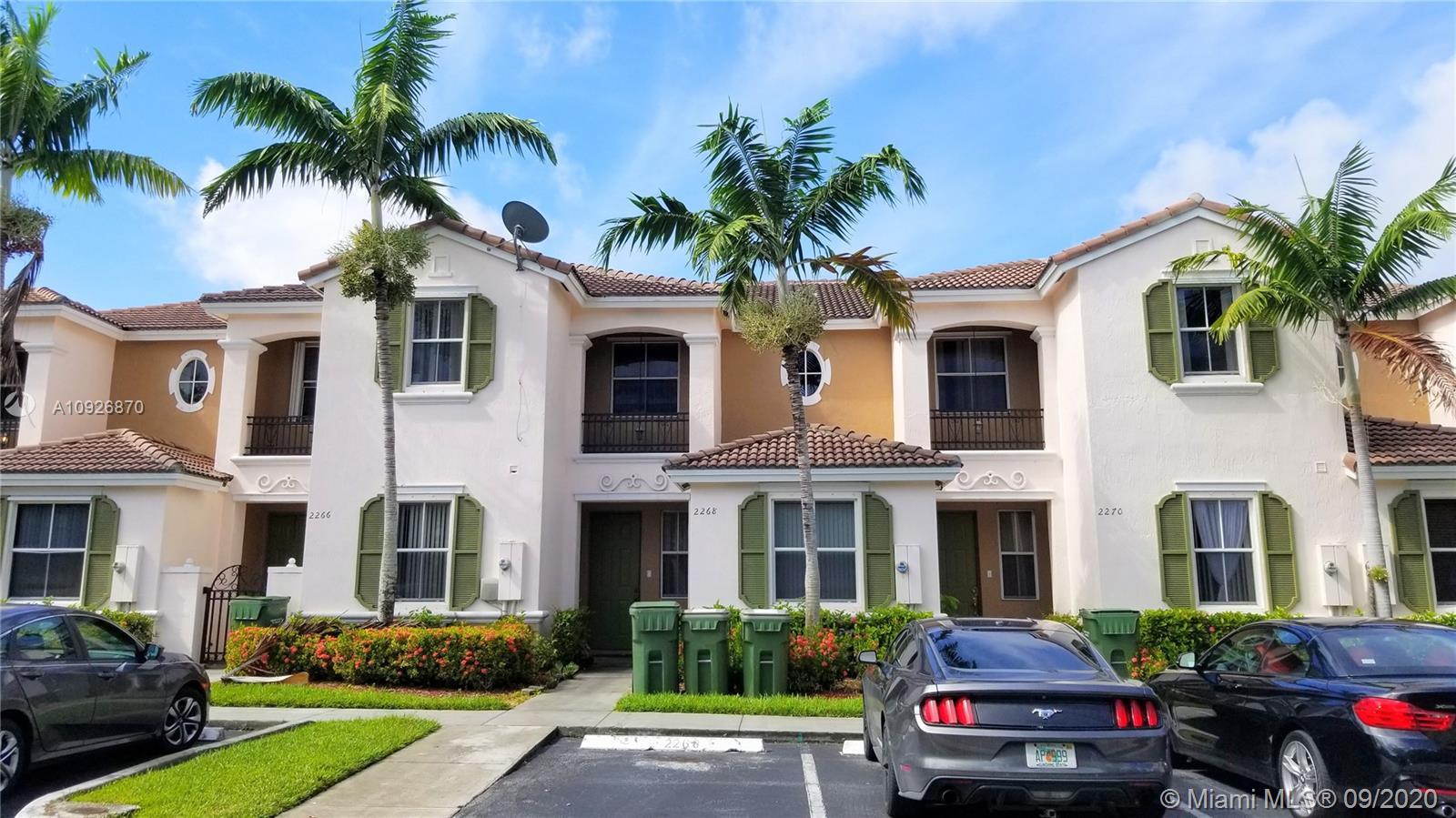 2268 NE 42nd Cir Property Photo
