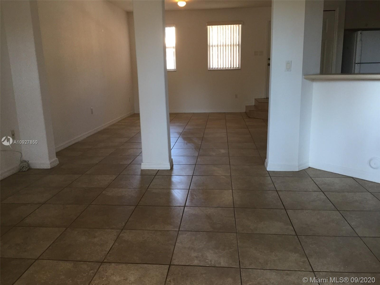 24075 SW 109th Ct Property Photo