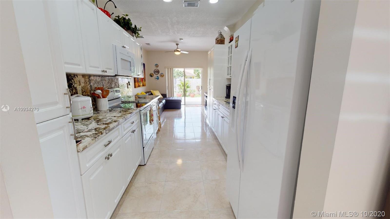 1130 NE 41st Ave Property Photo